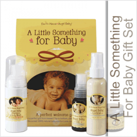 A Little Something for Baby Gift Set is a lovely gift for you and your lovely baby. You're certain to appreciate the convenient on the go size products included in this gift set from Earth Mama.